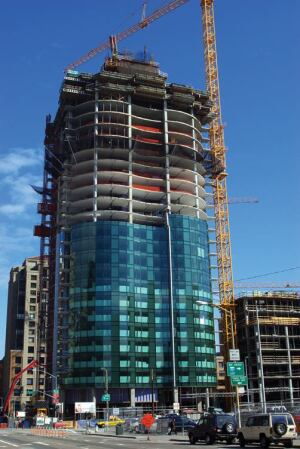 The elevator core of One Rincon Hill rises three stories higher than the floor decks.