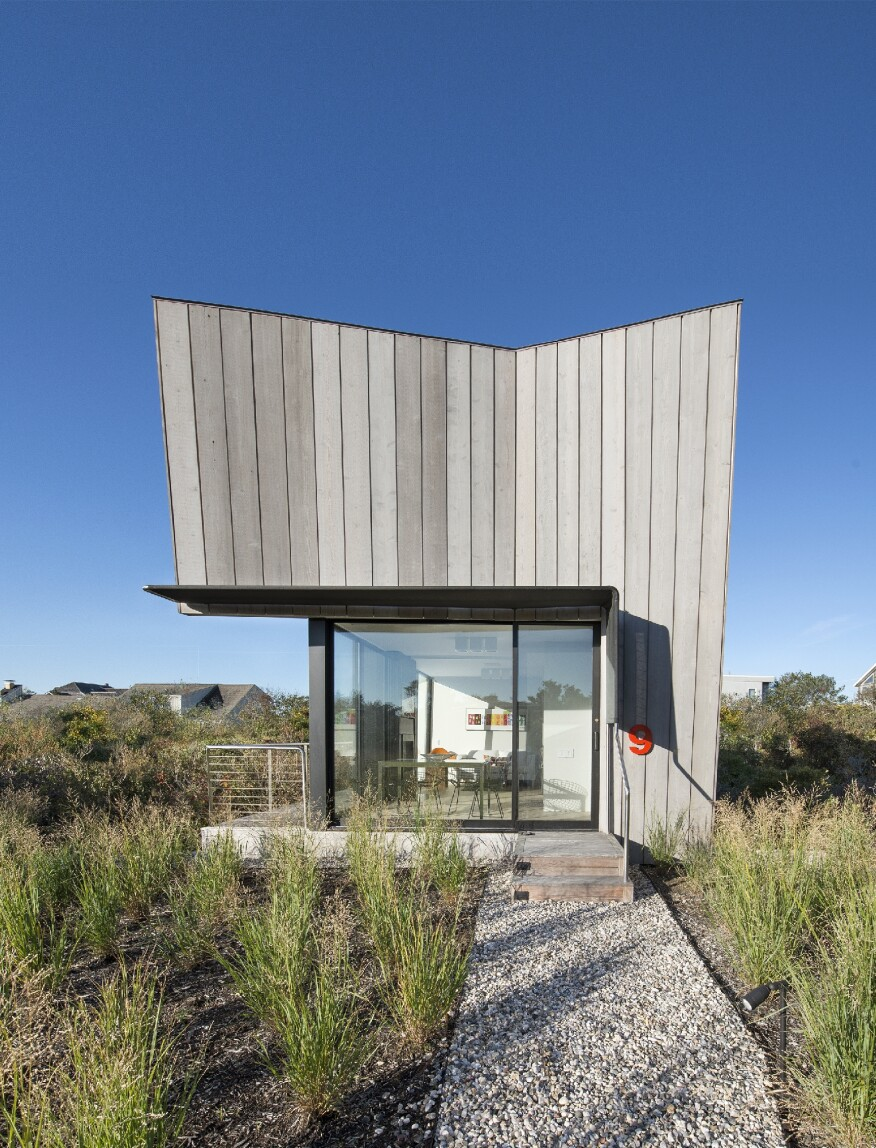 Beach Hampton, Bates Masi + Architects