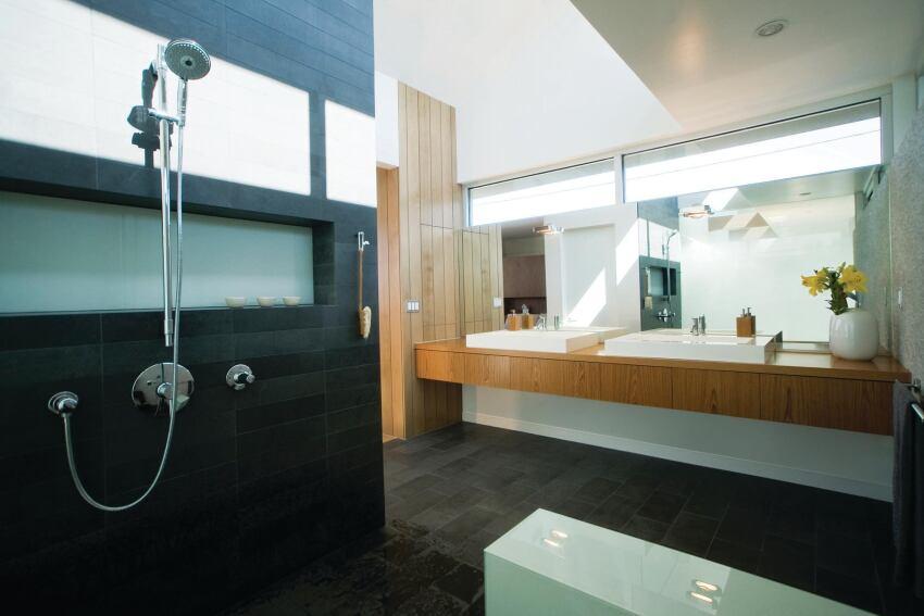 Pliaconis Bath