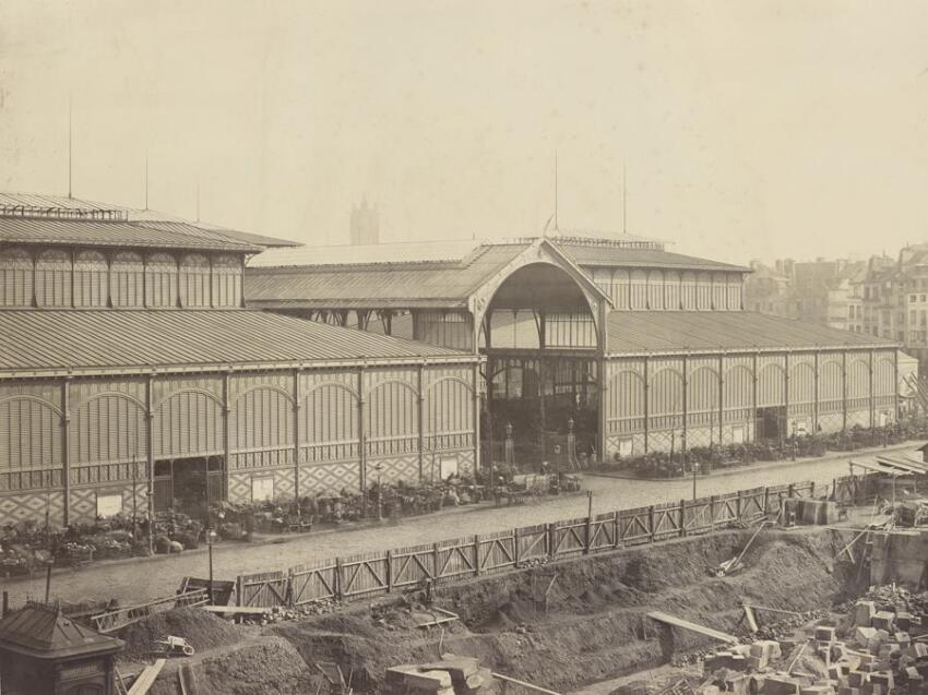 Les Halles Centrales, 1867. Albumen print from collodion negative. The AIA/AAF Collection, Prints and Photographs Division, Library of Congress, Washington D.C.
