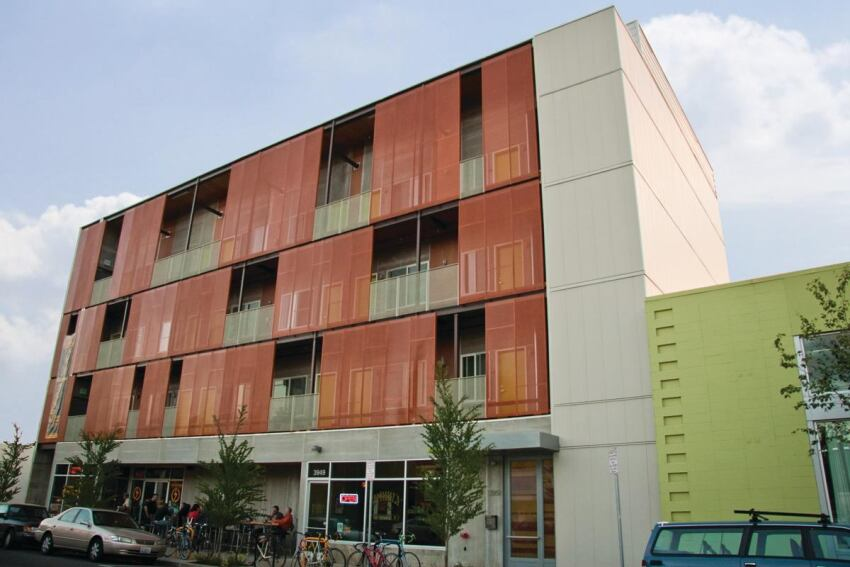 A Mixed-Use Building Serves Cycle Commuters