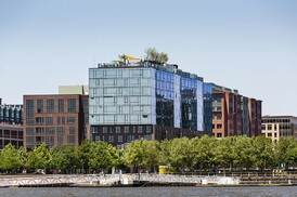 20 east end avenue architect magazine robert a m for A la maison westlake village ca