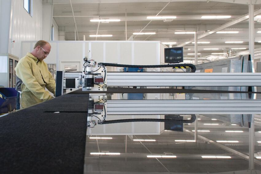 Two Glass Makers Join Forces to Mass Produce Self-Tinting Panes
