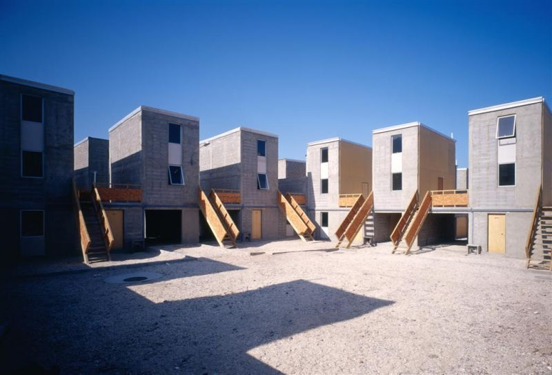 Elemental Iquique, a housing project for 93 families, built with a budget of $7,500 per family.