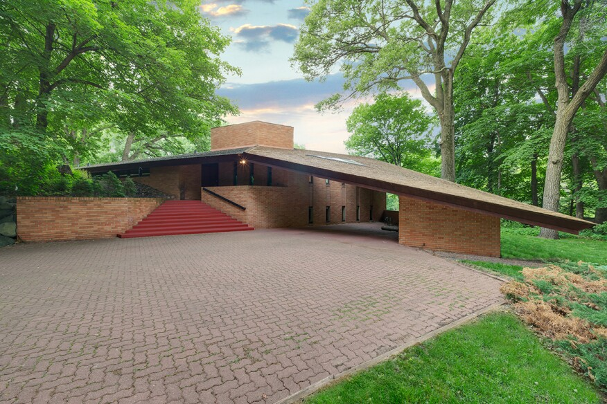 Frank lloyd wright designed house listed in st louis park for Frank lloyd wright parents