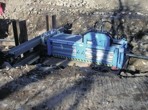 A TT Technologies Grundoburst 1250 CP static machine pulled HDPE liner pipe into 24-inch and 27-inch host pipes.