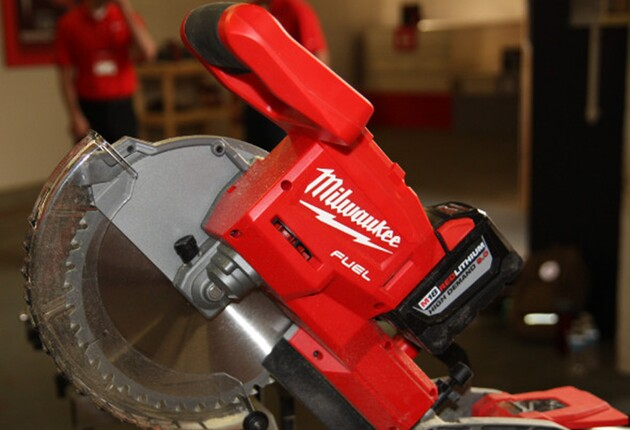 The World's First Cordless 10-Inch Sliding Compound Miter Saw