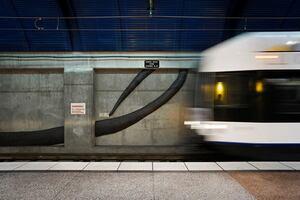 Esto Gallery: Train Stations