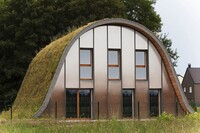 Wave House's Green Roof Shifts With the Seasons