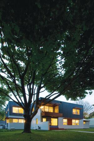To create EcoDEEP Haus, architects Kevin Flynn and Roxanne Nelson doubled the size of a 1940s residence but reduced its energy use by 40 percent. A combination of halogen, compact fluorescent, and LED lighting helped lessen the electrical load.