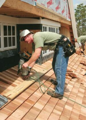 Roofing With Cedar Shingles Jlc Online Roofing Wood
