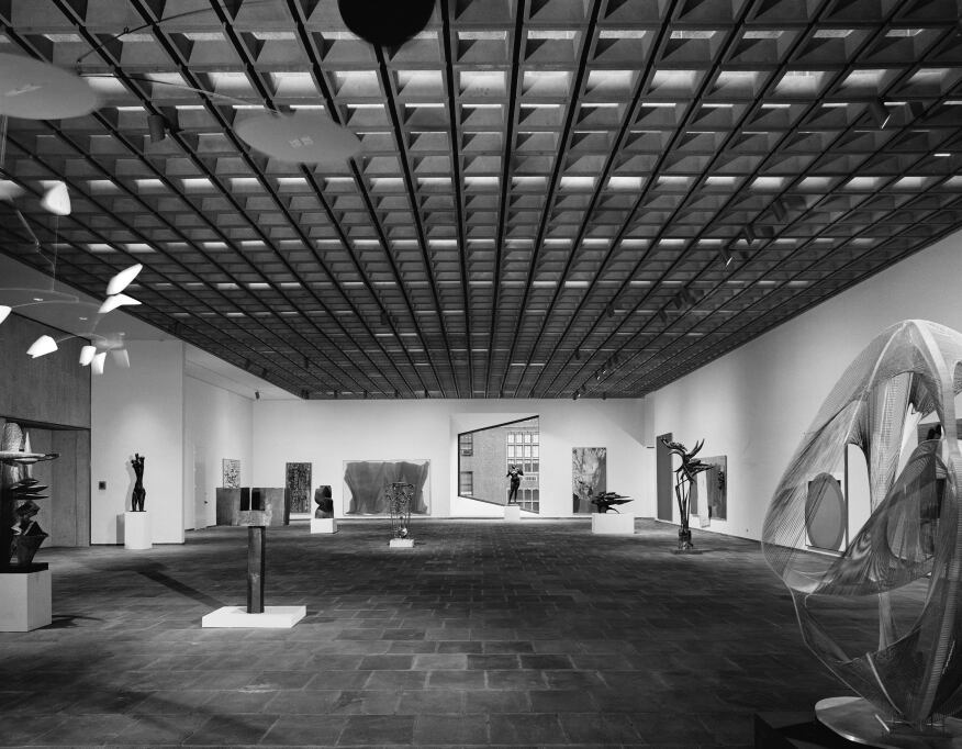 A view of the galleries (1966).