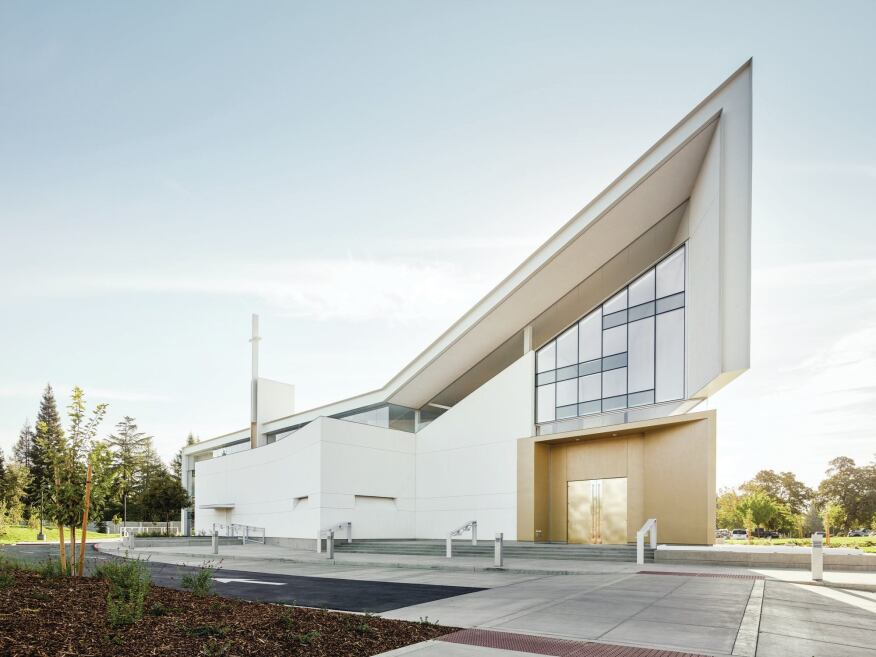 Jesuit high school chapel designed by hodgetts fung for Clerestory roof design