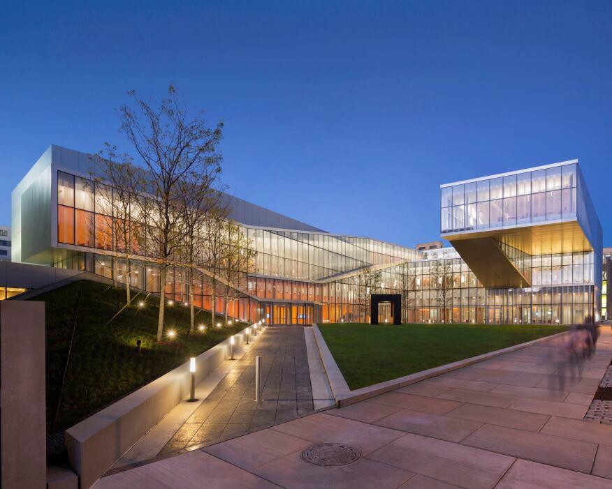 Nano Techology Labs at Penn: Philadelphia PA, Architect: Weiss/Manfredi Architects