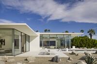 Contemporary Retreat Embraces The Desert
