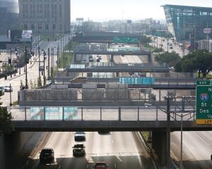 The four overpasses of Pedestrian Strands