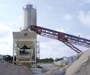 Murphy's Concrete added a radial stacker conveyor when the Texas producer installed a new computerized batch plant.
