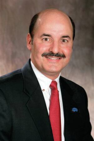 PoolCorp CEO Manuel Perez de la Mesa