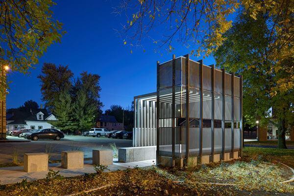 Corinthian Gardens Smokers' Shelter, Des Moines, Iowa.