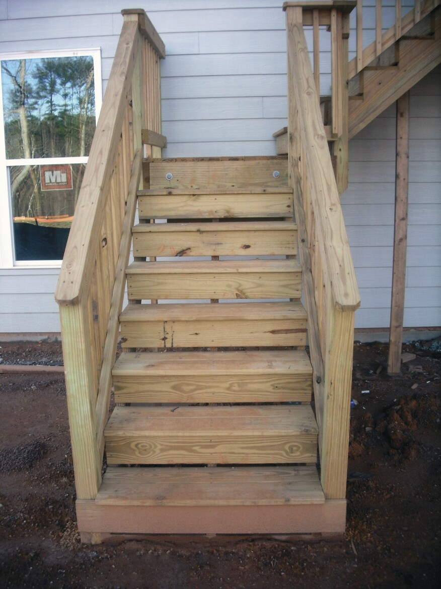Deck Stair Defects American Society Of Home Inspectors Ashi