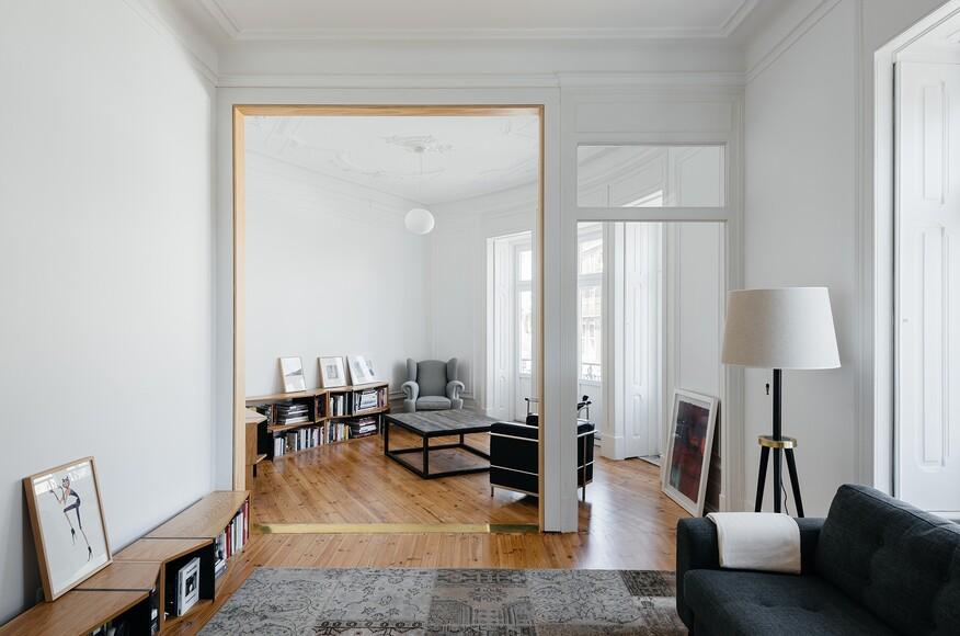 Apartment in estrela architect magazine aurora for Mobili design riproduzioni