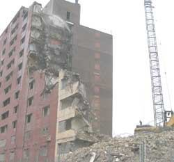 The demolition of Chicago's public housing left very high level of coarse particles in the air.