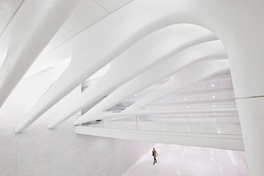 A Look at the Second Floor of Santiago Calatrava's WTC West Concourse