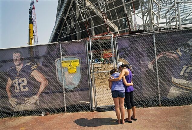 Probe Continues into Fatal Fall at New Vikings Stadium