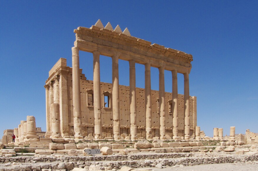 Ruins of the Temple of Bel as photographed in 2009. Currently, a group of activists is aiming to re-construct the UNESCO World Heritage site with their online archive New Palmyra (#NewPalmyra).