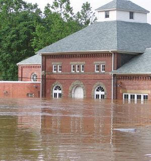 Unprecedented flooding in 2006 shut down two of United Water's treatment plants. Today, the provider uses an automatic messaging system to alert customers about such emergencies, as well as hydrant flushings, planned maintenance, and collections. Photo: GeoDecisions