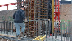 SCC makes it possible to consolidate concrete around congested steel reinforcement, increasingly an issue for high-rise construction.