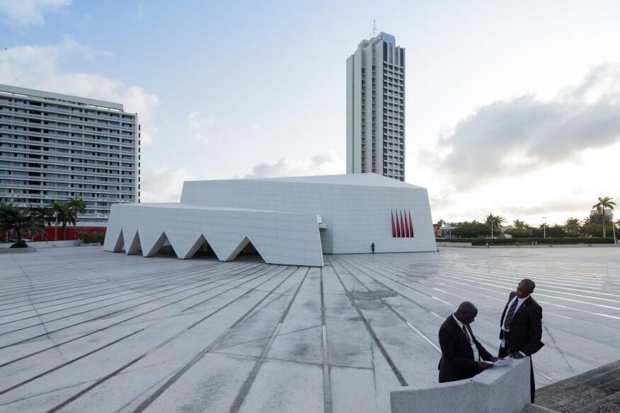 Hotel Ivoire (1962–70) in Abidjan, Côte d'Ivoire by German designer Heinz Fenchel and Israeli architect Thomas Leiterdorf