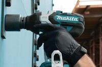 A Beast of a Cordless Impact Wrench