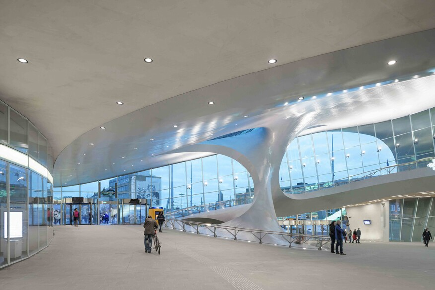 11/18/2015: Transfer Hall of the newly opened Arnhem Central Station