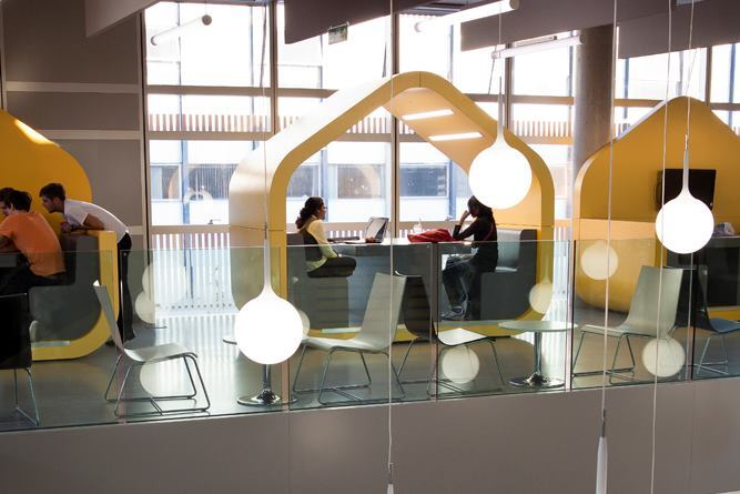 Aaron Betsky Visits the University of Coventry's New Student Center