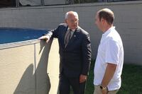 Congressman Visits Radiant Pools