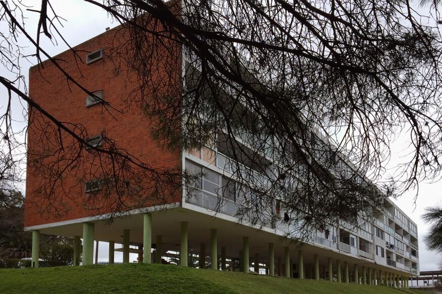 Unidad de Habitacion Sur (1956), by Román Fresnedo Siri