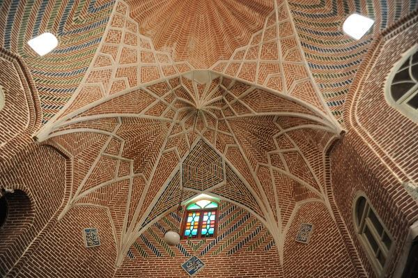 The Tabriz Bazaar renovation, by ICHTQ East Azerbaijan Office. Detail of brick vaults. Tabriz, Iran.
