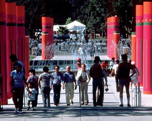 Sussman/Prejza, sonotube columns for the Los Angeles Olympic Games, 1984.