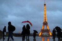 Paris Plans €300 Million, 15-Year Renovation of Eiffel Tower