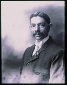 A 1906 photograph of Robert R. Taylor by Frances Benjamin Johnston. Courtesy the Library of Congress.
