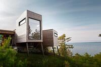 This Holiday Cabin Has Extendable, Modular Rooms