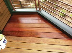 The author has maintained this lakeside ipe deck with Penofin Marine oil wood finish (penofin.com) since it was installed six years ago. He allows the oil to sit on the decking for about 20 minutes before wiping the excess off with a rag.
