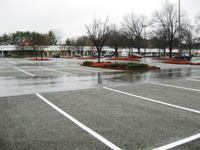Williamsburg Prime Outlets choose pervious concrete for its parking lot replacementand expansion.