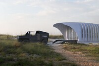 Tiny 3-D Printed Building Shares Its Energy With an (Also 3-D Printed) SUV