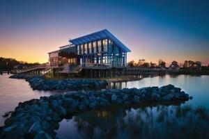 Credti: © Maxwell MacKenzie, courtesy Dale Overmyer Architects