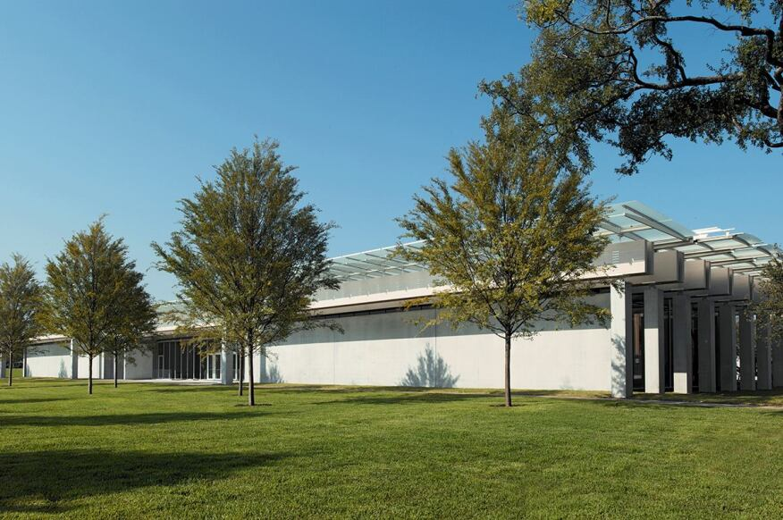 View of the tripartite east facade, and the northern end of the new Renzo Piano Building Workshop-designed pavilion at the Kimbell Art Museum in Fort Worth, Texas. Photographed September 2013.