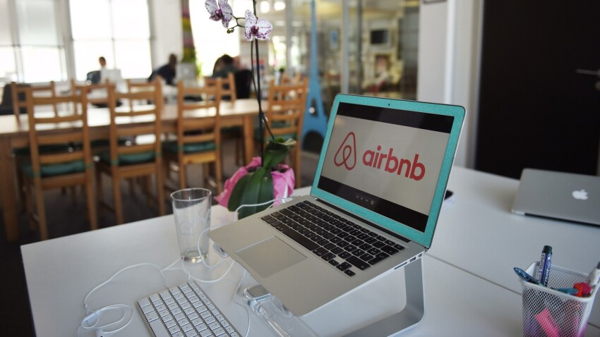 Most Airbnb Travelers Have Annual Incomes Over $75K, Survey Finds