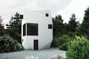 Heptagon House