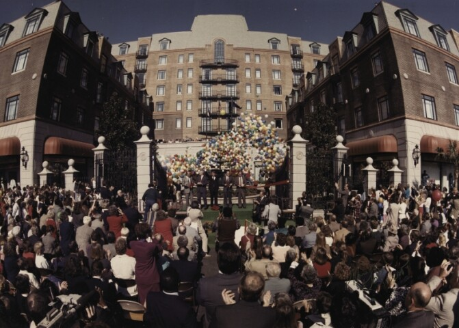 The 1986 opening of Charleston Place